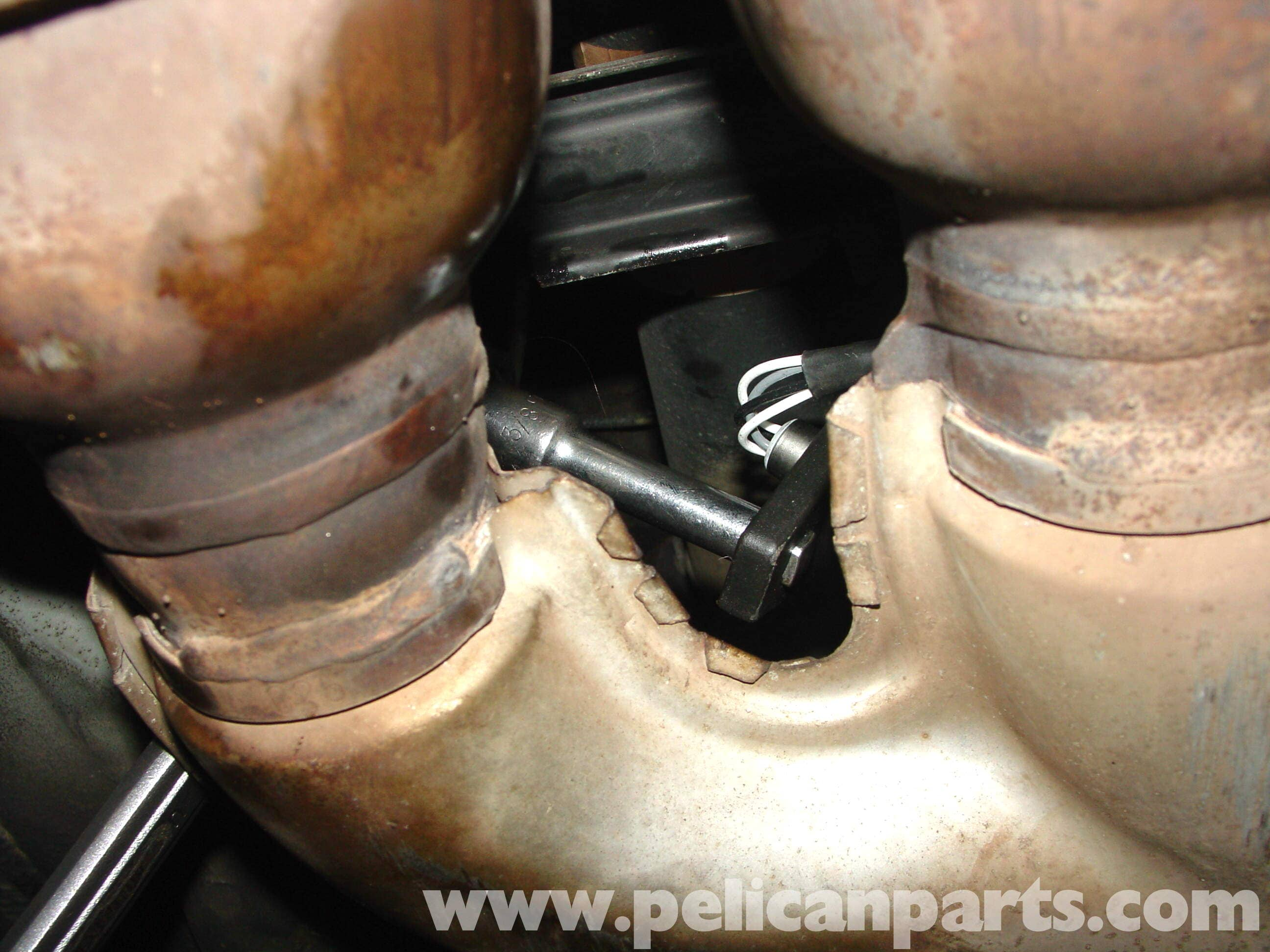 pic05 mercedes benz w210 oxygen sensor replacement (1996 03) e320, e420  at mifinder.co