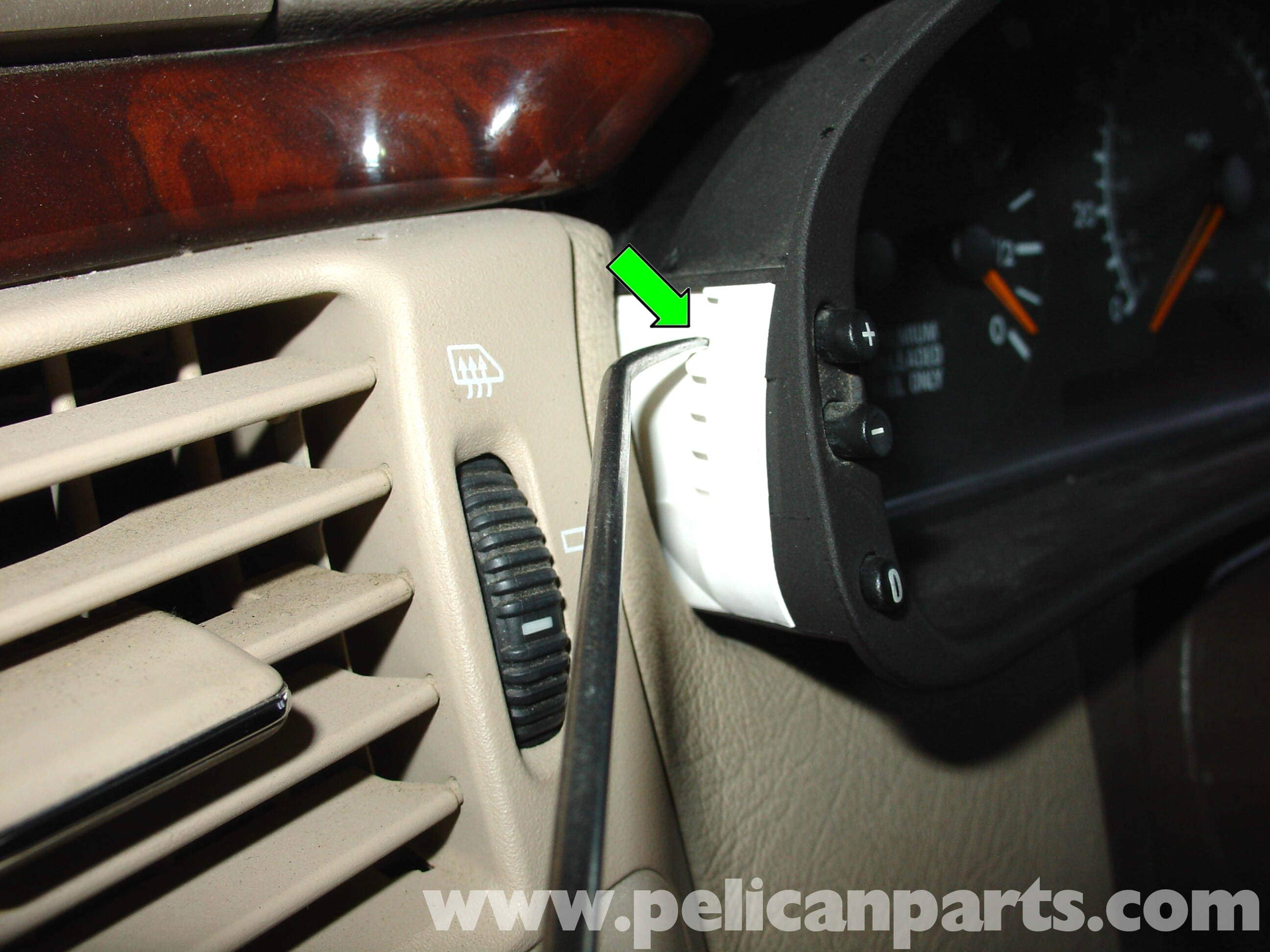 ... pic02 mercedes benz w210 instrument cluster bulb replacement (1996 03  at cita.asia