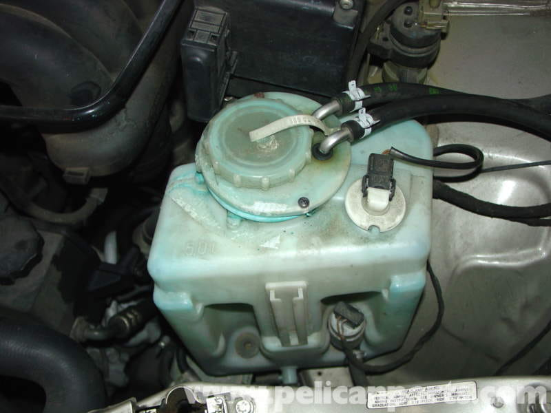 Mercedes Benz W210 Windshield Washer Fluid Reservoir