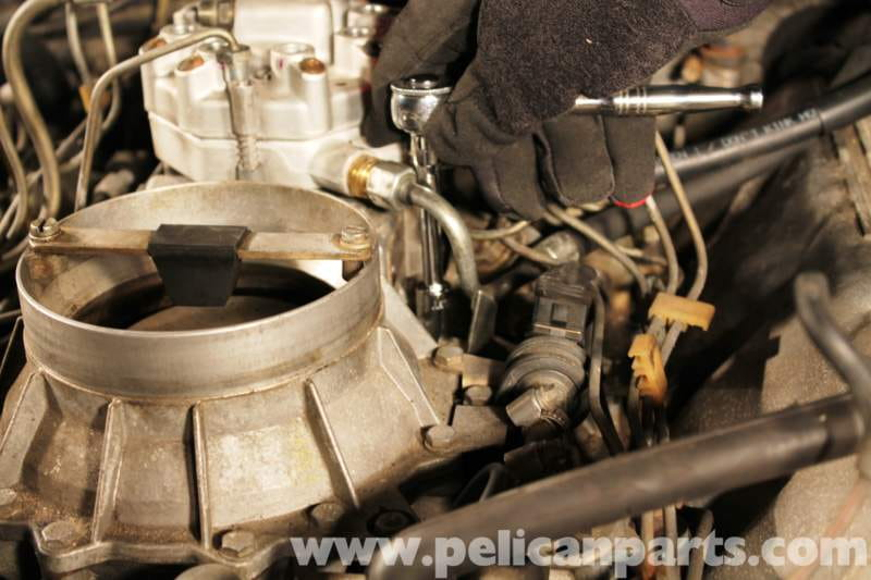 Mercedes benz r107 fuel distributor replacement 1972 for Mercedes benz fuel injector problems