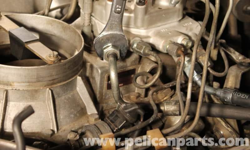 mercedes benz fuel pressure diagram    mercedes       benz    r107    fuel    distributor replacement 1972     mercedes       benz    r107    fuel    distributor replacement 1972