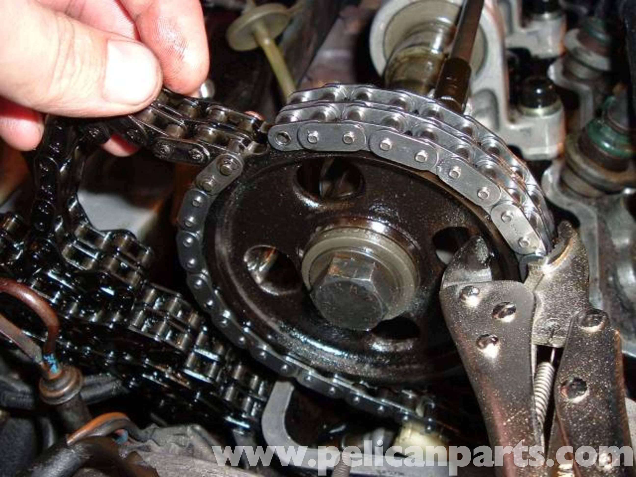 Mercedes-Benz R107 Timing Chain Replacement | 1972-1986