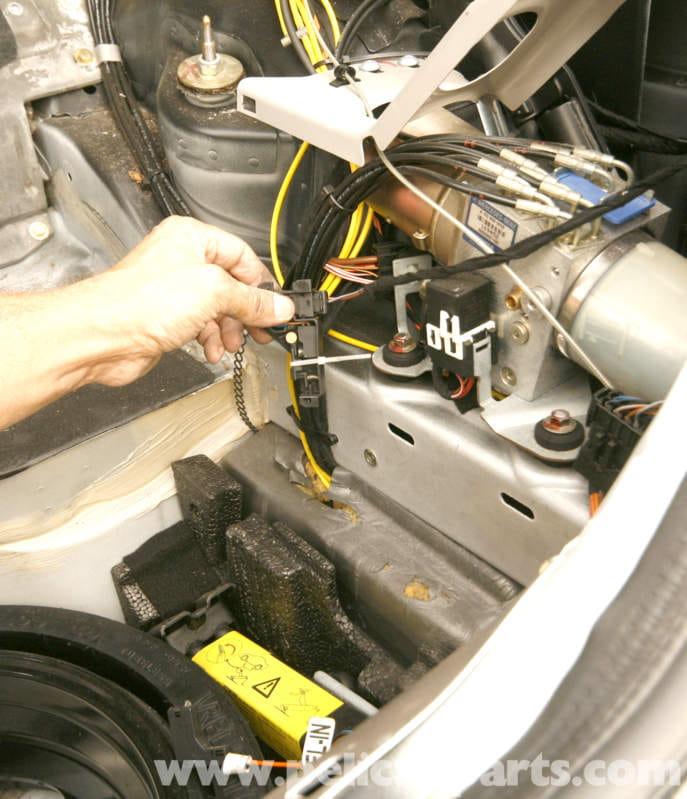 Mercedes-Benz SLK 230 Rear Bumper Replacement