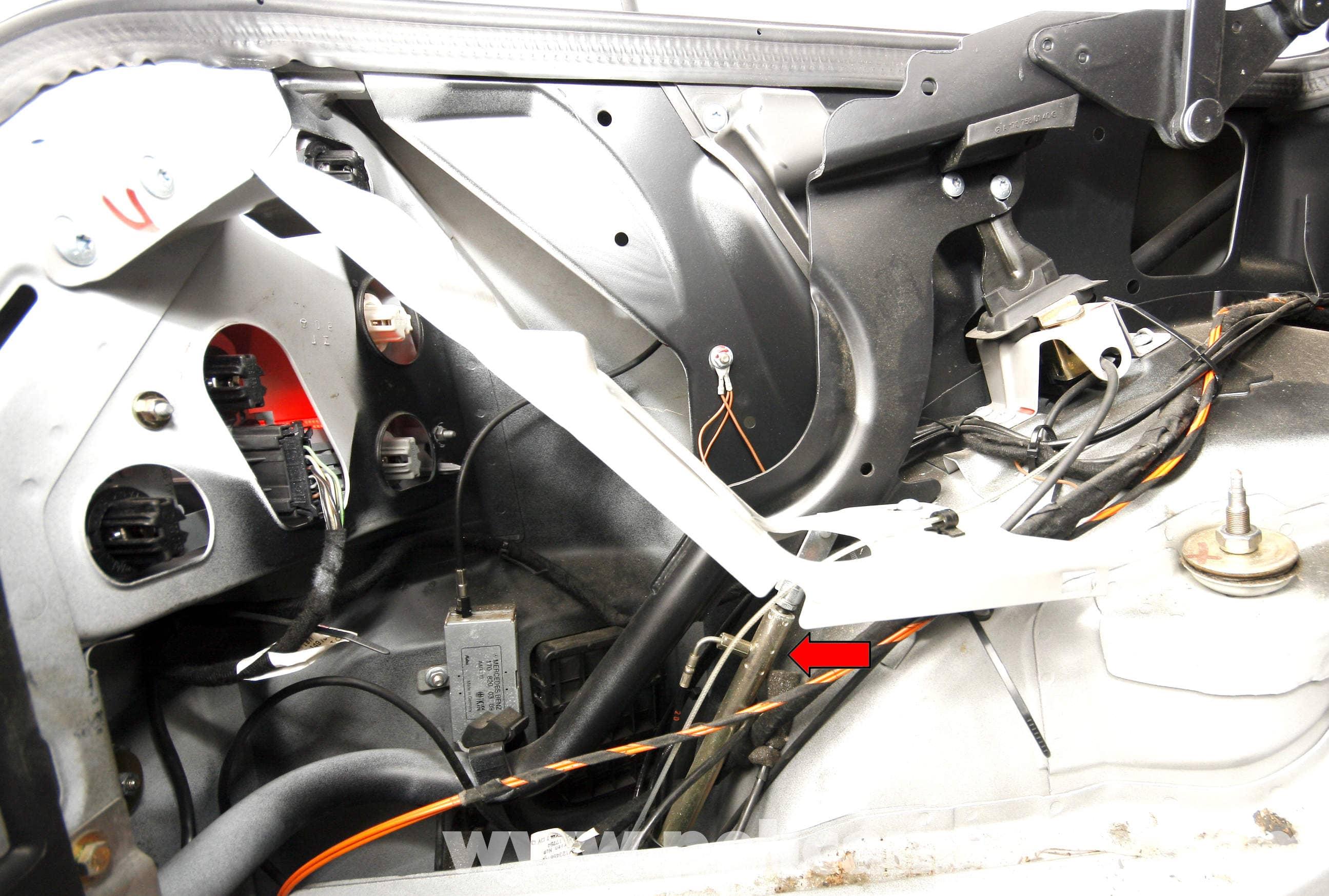 Mercedes benz slk 230 vario roof hydraulic cylinder for Mercedes benz slk230 parts