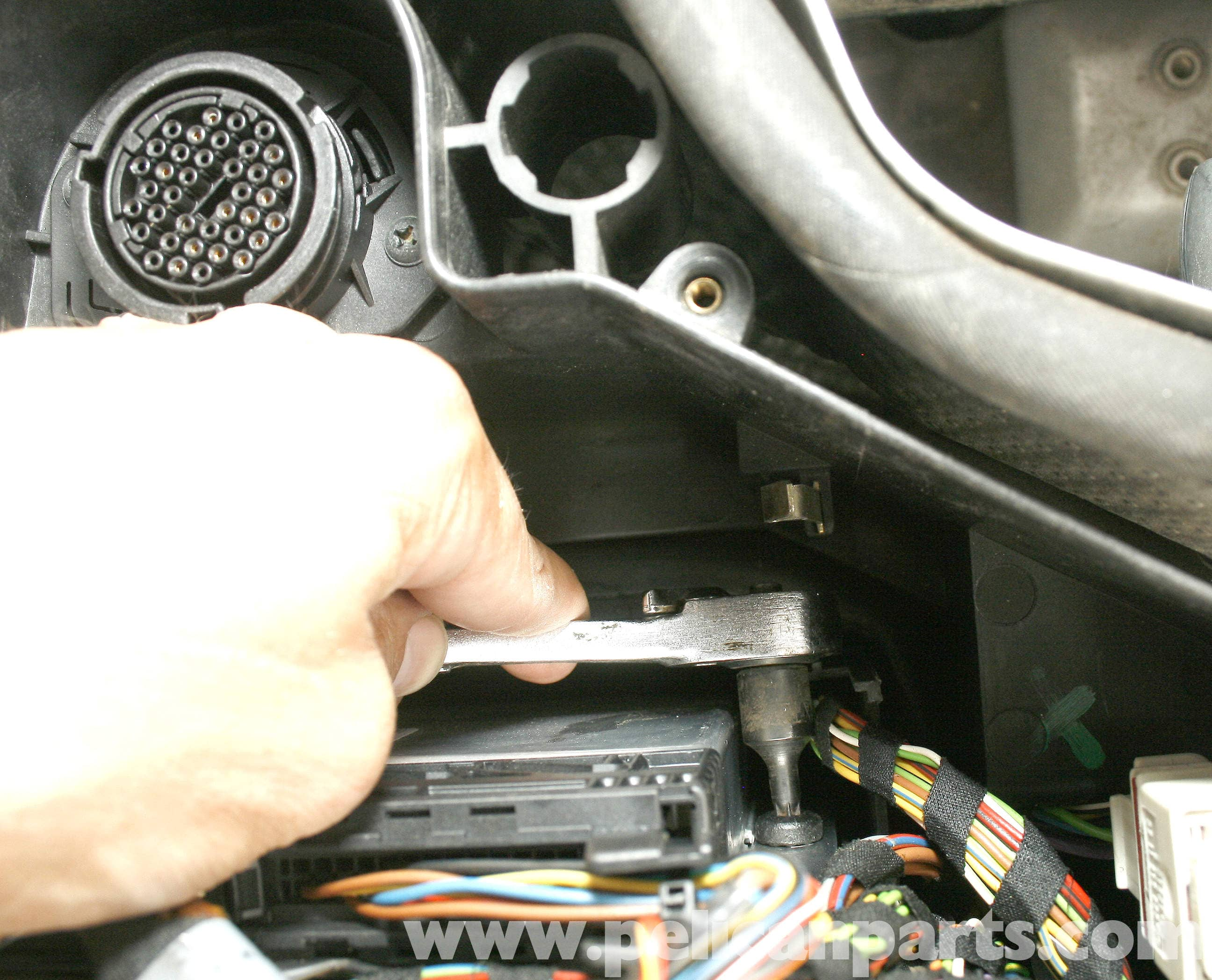 Mercedes benz slk 230 abs control module replacement 1998 2004 large image extra large image swarovskicordoba Image collections