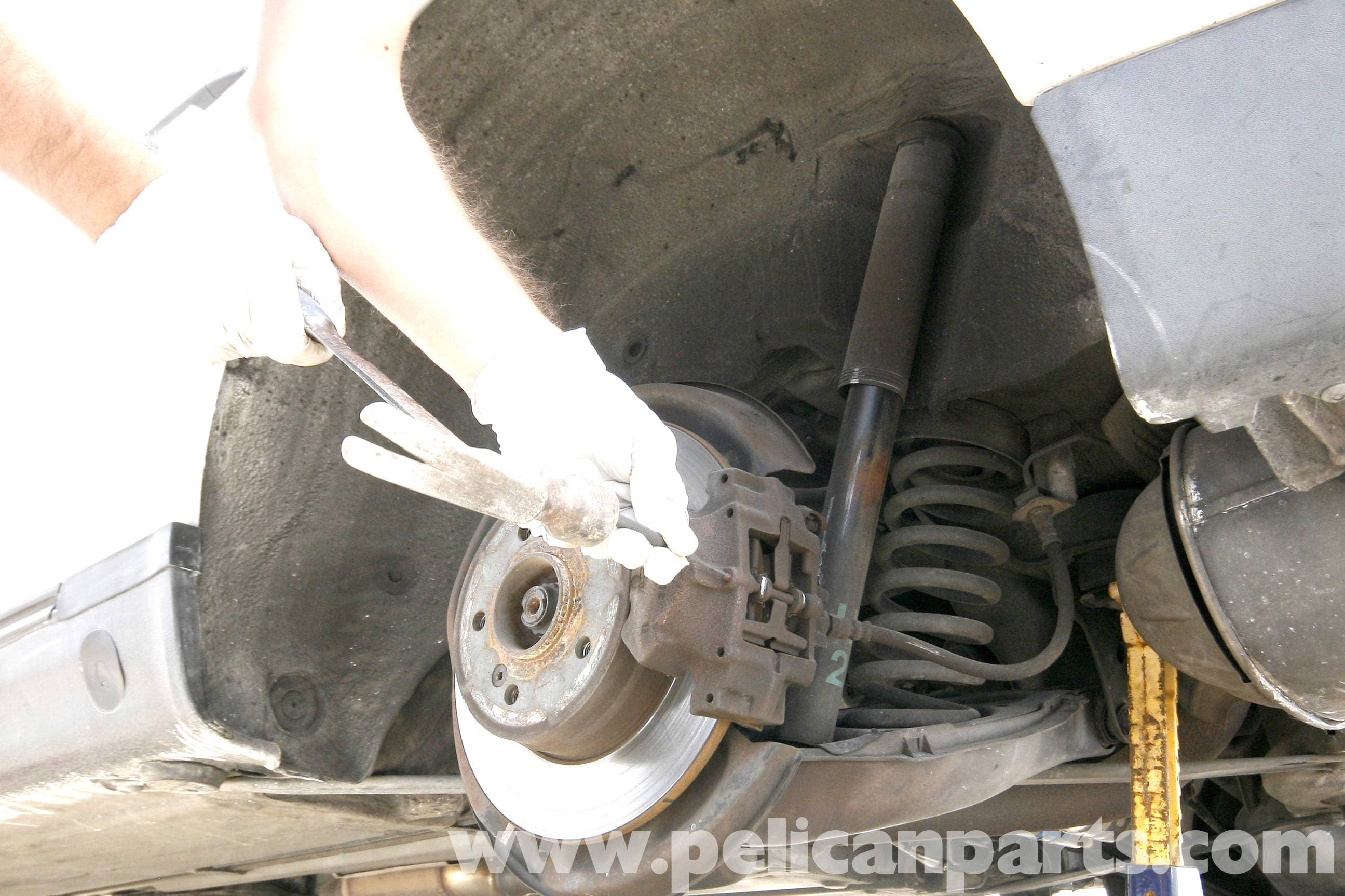 Mercedes Benz Slk 230 Rear Brake Pad Replacement 1998 2004 Pads Squeaking Noise When Brakes Applied Car Judders Large Image Extra
