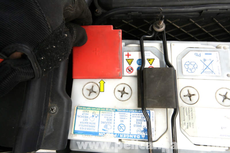 Mercedes benz slk 230 battery replacement and maitenance for Mercedes benz starter battery