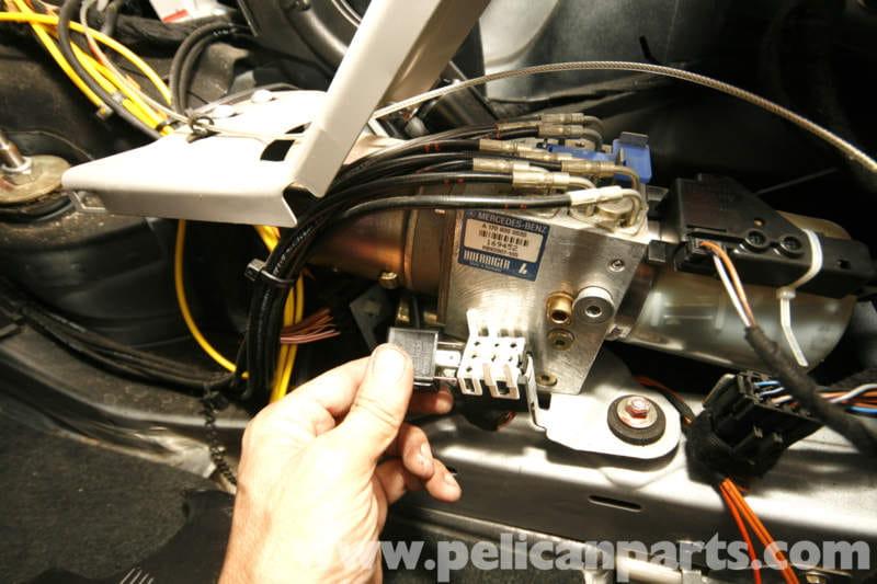 Mercedes Benz Slk 230 Vario Top Hydraulic Pump Service