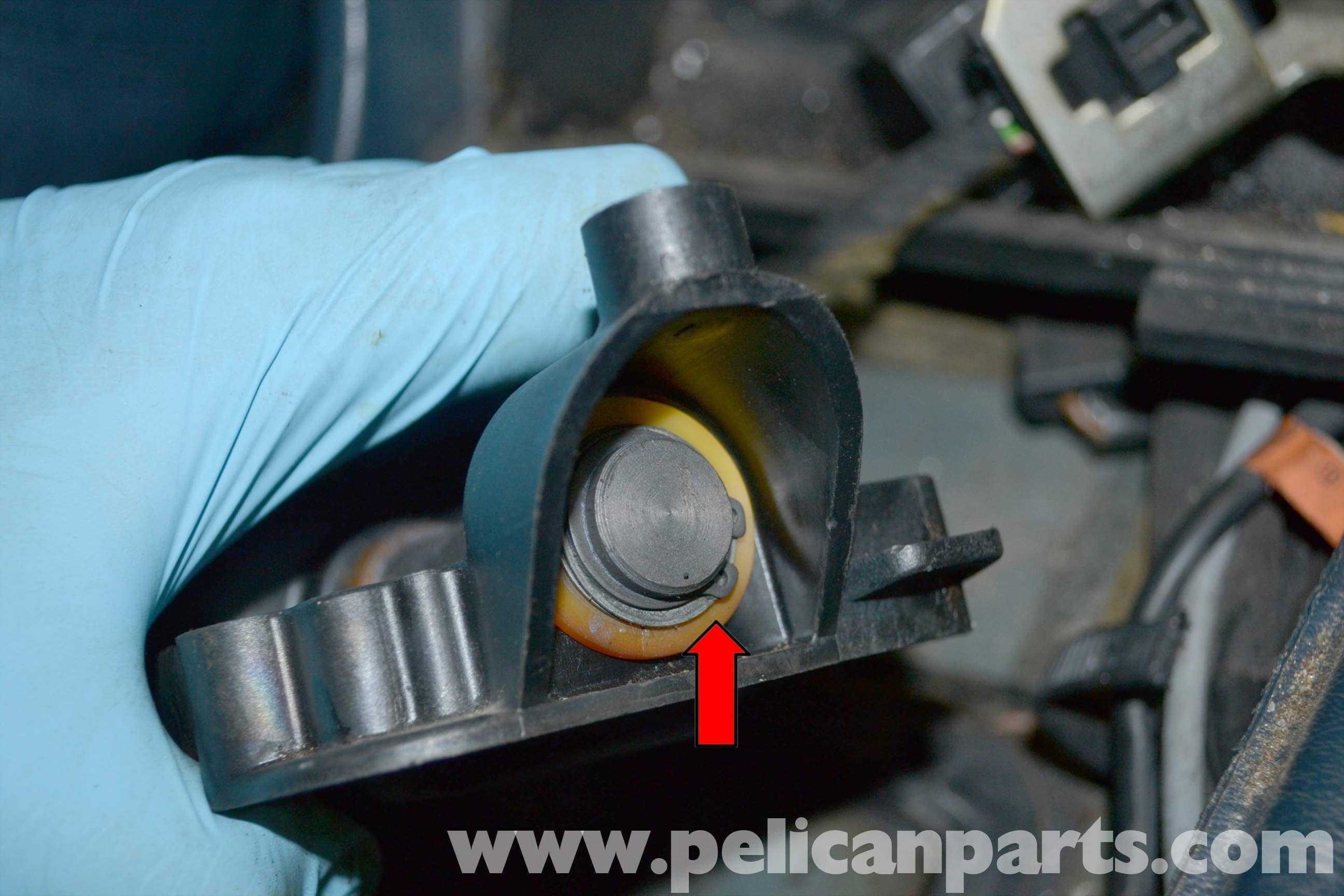 Mercedes-Benz W123 Shifter Bushing Replacement | W123 (1977