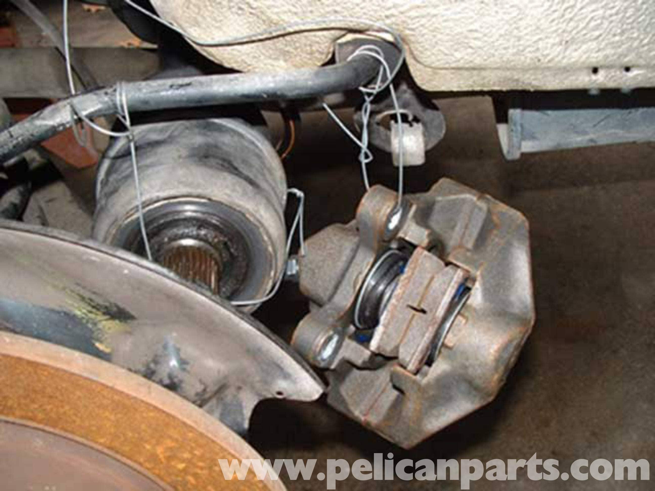 Mercedes-Benz W123 Rear Wheel Bearings Replacement   W123