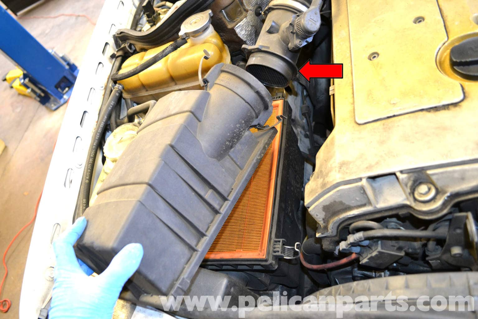 Mercedes benz w124 air filter replacement 1986 1995 e for Mercedes benz e350 air filter replacement