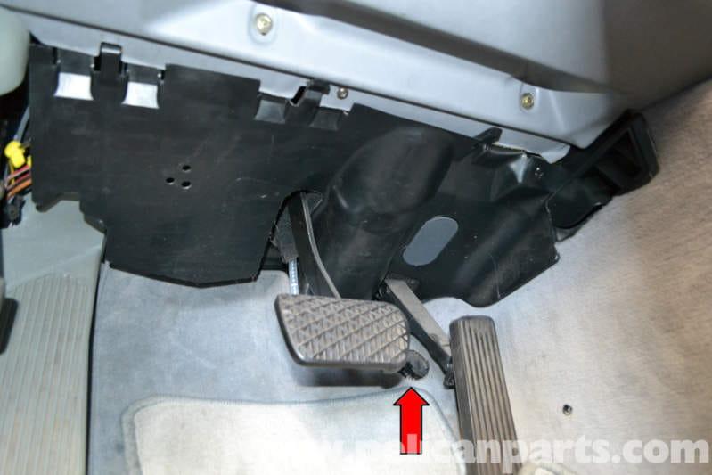 Mercedes Benz W124 Kick Down Switch Replacement 1986