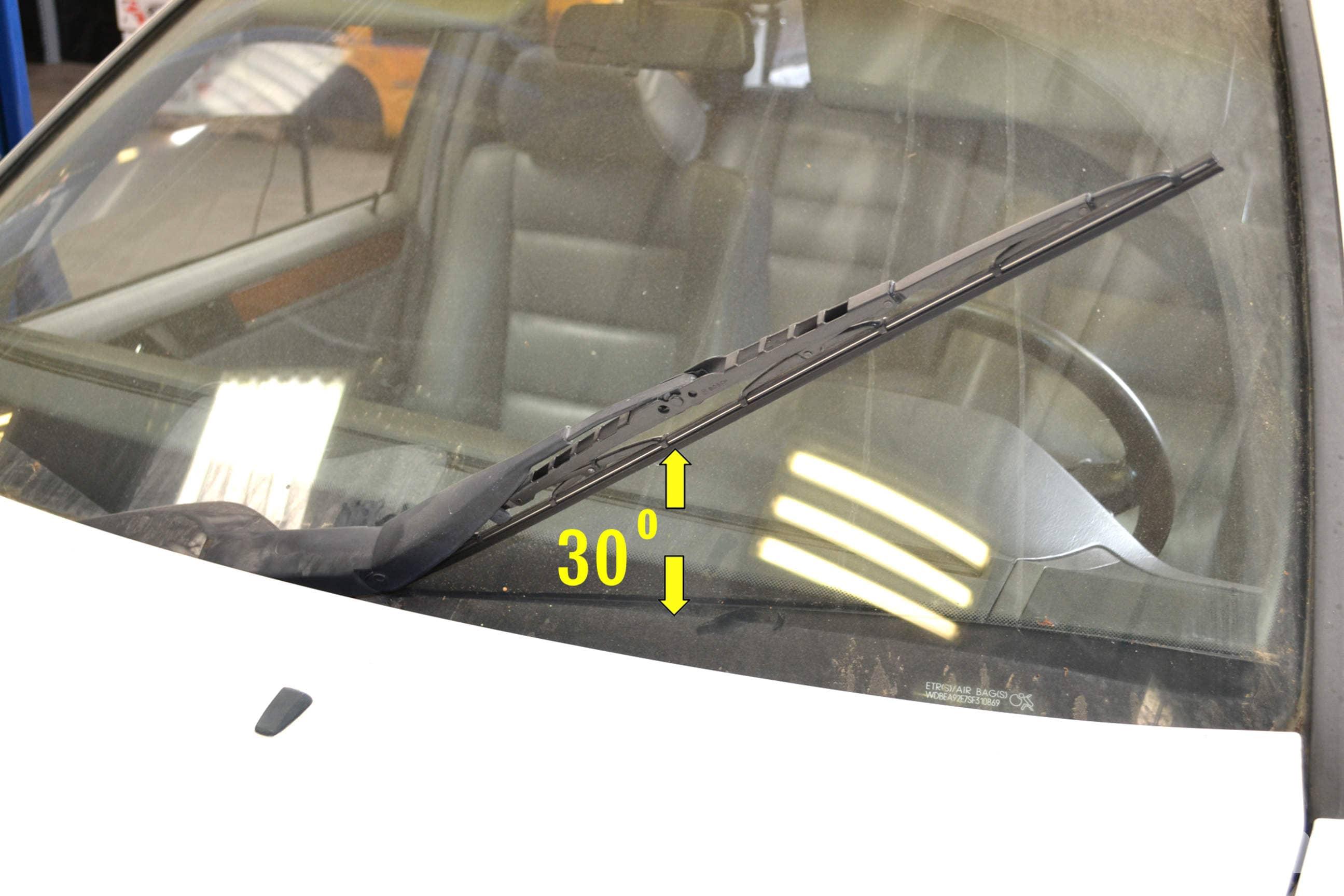 Mercedes-Benz W124 Wiper Blade Replacement | 1986-1995 E-Class