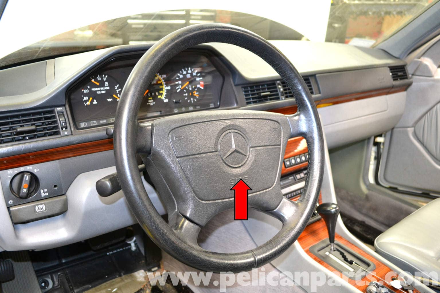 Mercedes benz w124 steering wheel and air bag removal for Mercedes benz airbags