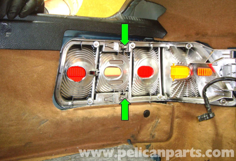 Mercedes Benz R129 Tail Light Assembly Removal Sl500