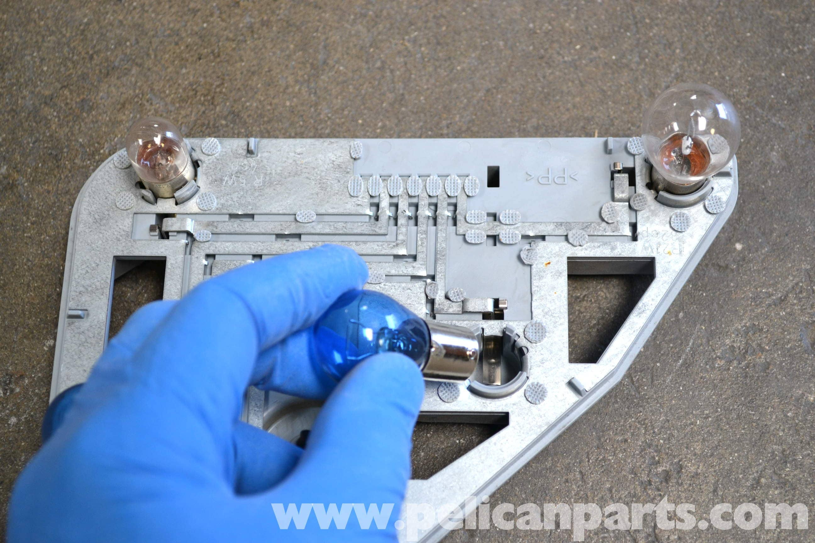 Mercedes-Benz W203 Tail Light Bulb and Assembly Replacement
