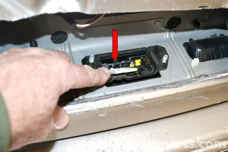 Mercedes-Benz W203 Locked Trunk Access - (2001-2007) C230, C280