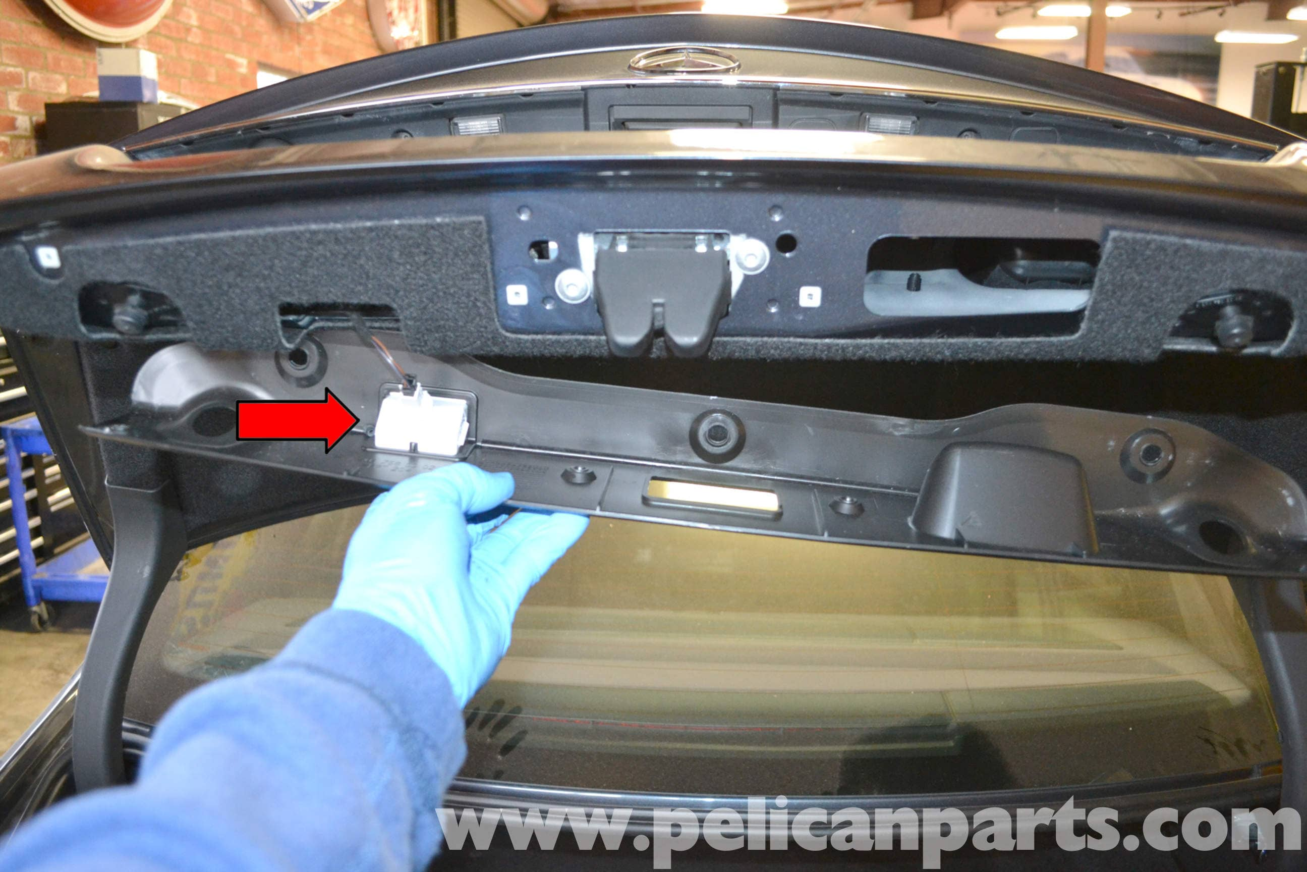 Mercedes-Benz W204 Trunk Lock and Latch Replacement - (2008
