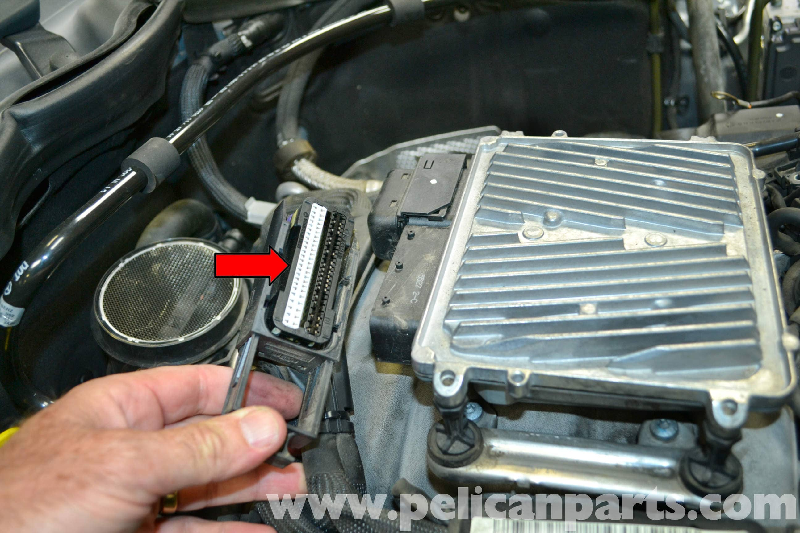 Mercedes-Benz W204 ECU Removal - (2008-2014) C250, C300, C350 ...