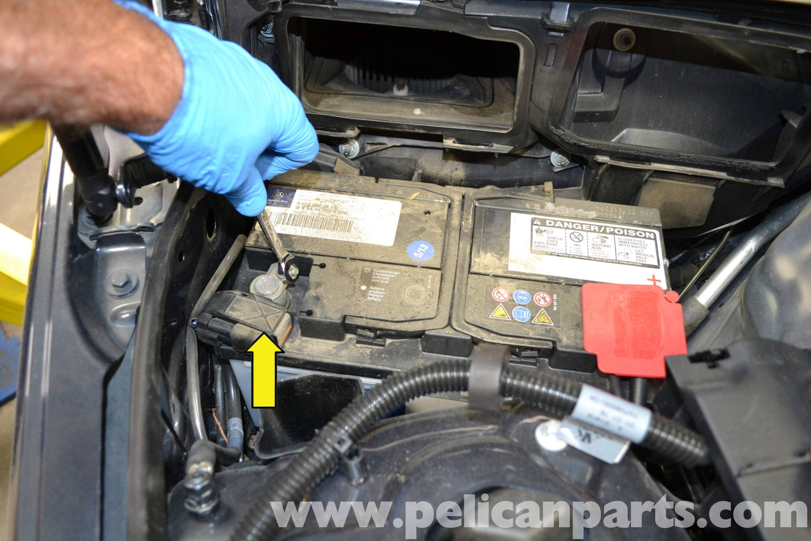 Mercedes benz w204 starter replacement 2008 2014 c250 for Mercedes benz c230 battery replacement