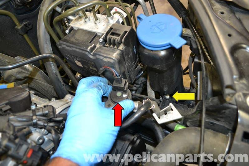 Mercedes Benz W204 Windshield Washer Reservoir Pump And