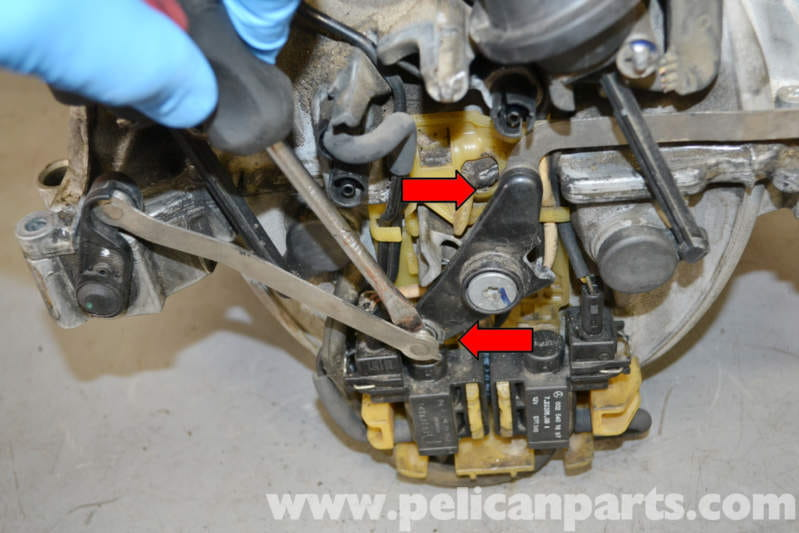 Mercedes-Benz W204 Tumble Flap Actuator Repair - (2008-2014