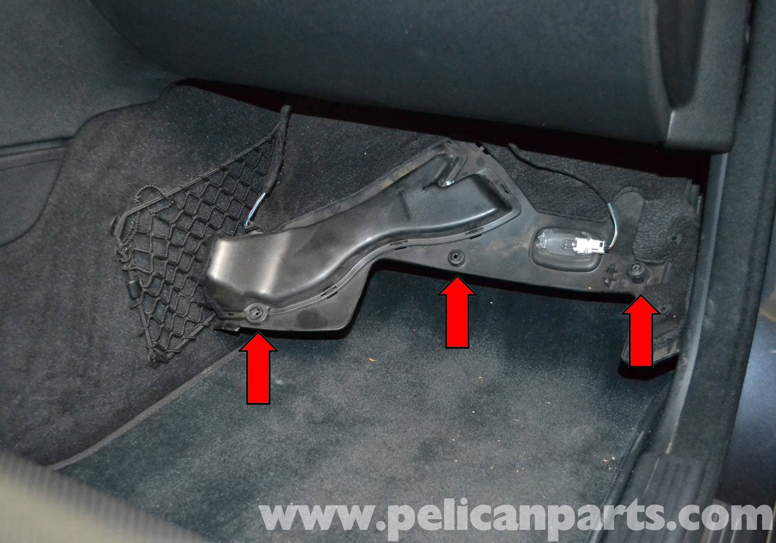 Mercedes Benz W204 Footwell Temperature Sensor Replacement