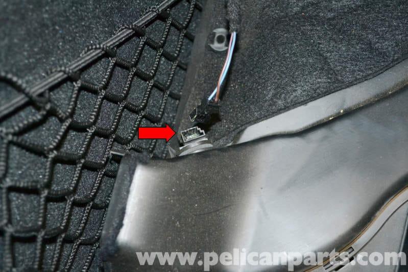 Mercedes Benz W204 Footwell Temperature Sensor Replacement
