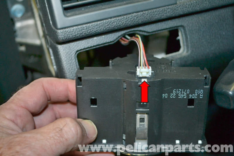 mercedes benz w204 headlight switch replacement 2008. Black Bedroom Furniture Sets. Home Design Ideas