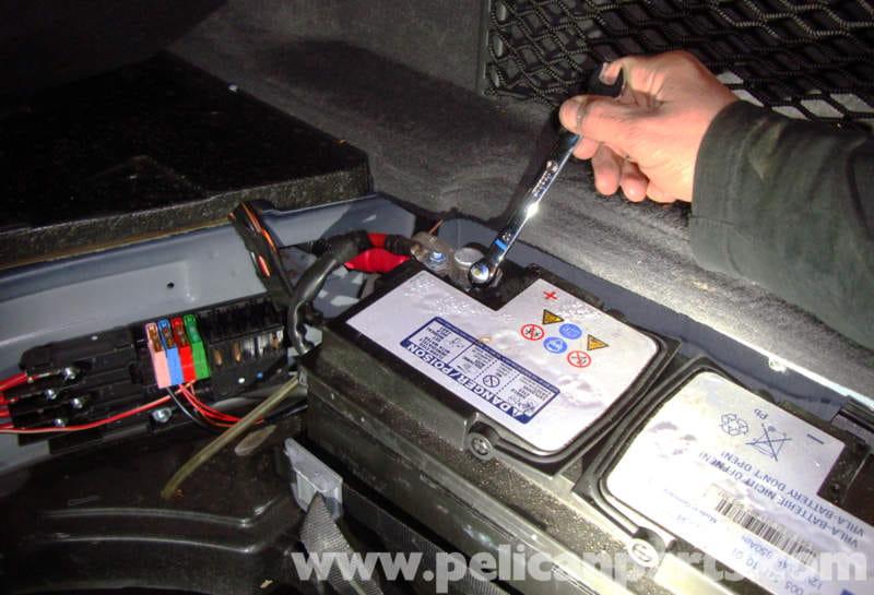 W211 Pre Fuse Box : Mercedes benz w battery removal e