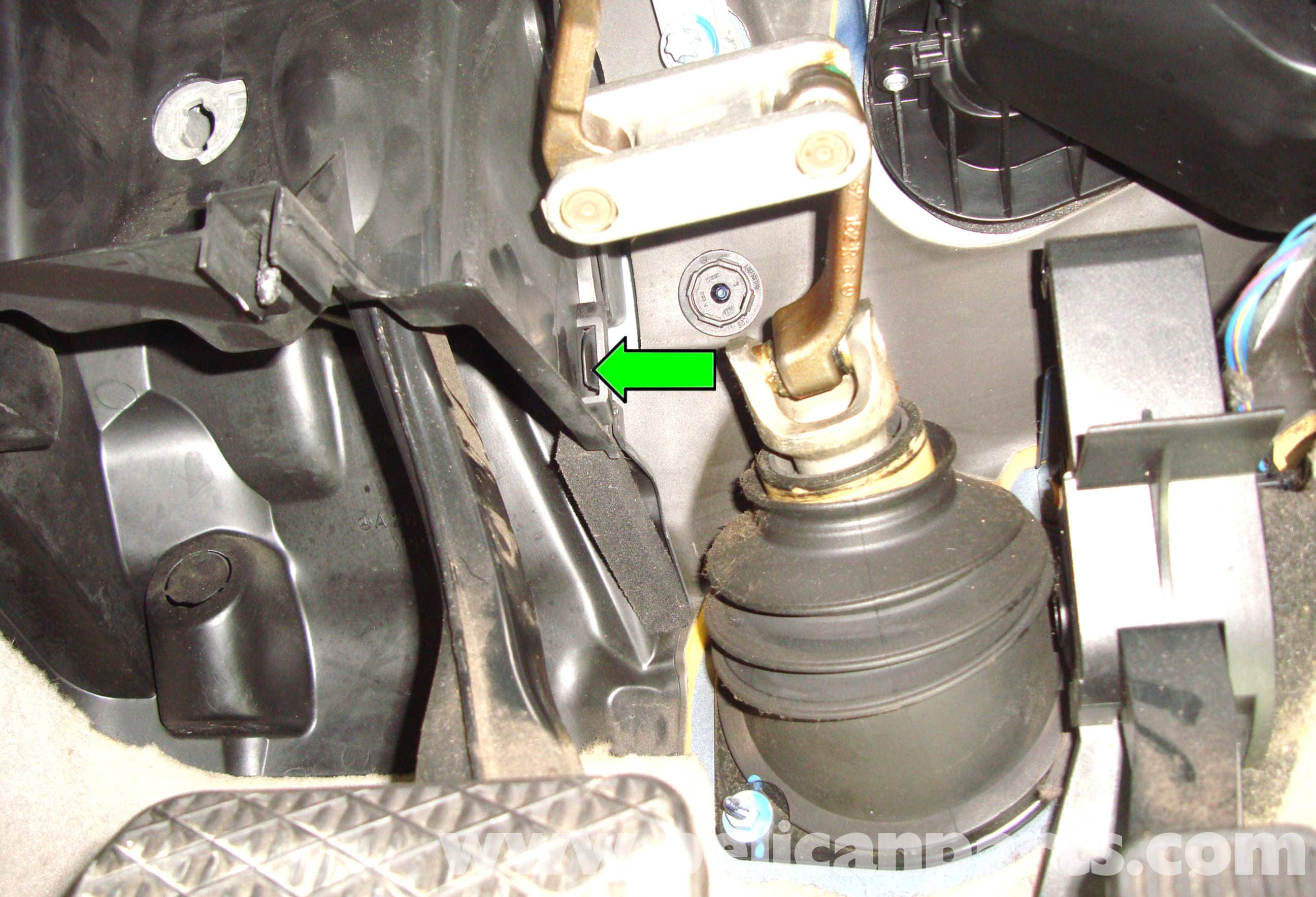 Mercedes Benz W211 Brake Master Cylinder Replacement 2003 2009 Gl450 Fuel Filter Large Image Extra