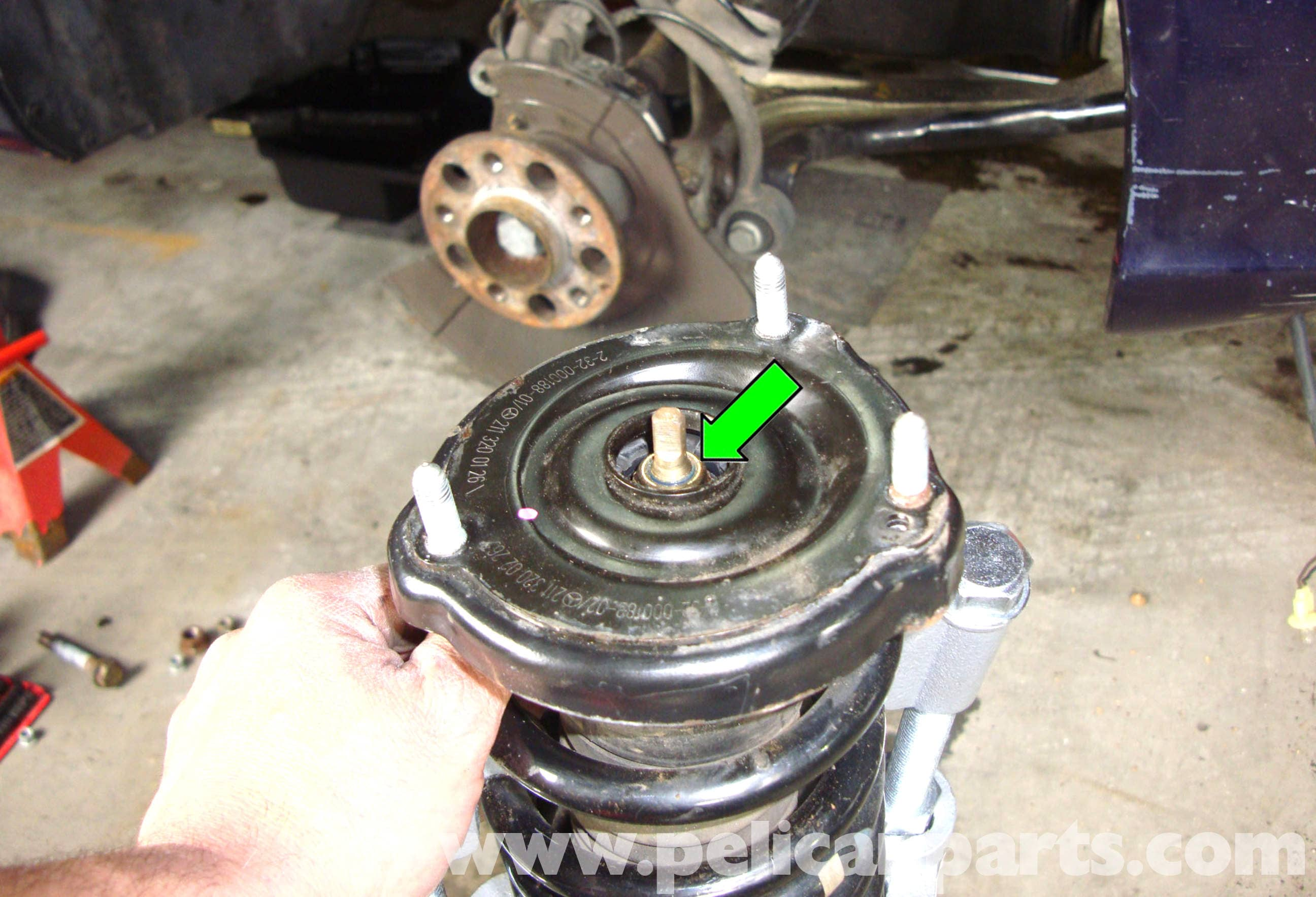 Front shock absorber support: photo, replacement instructions 97