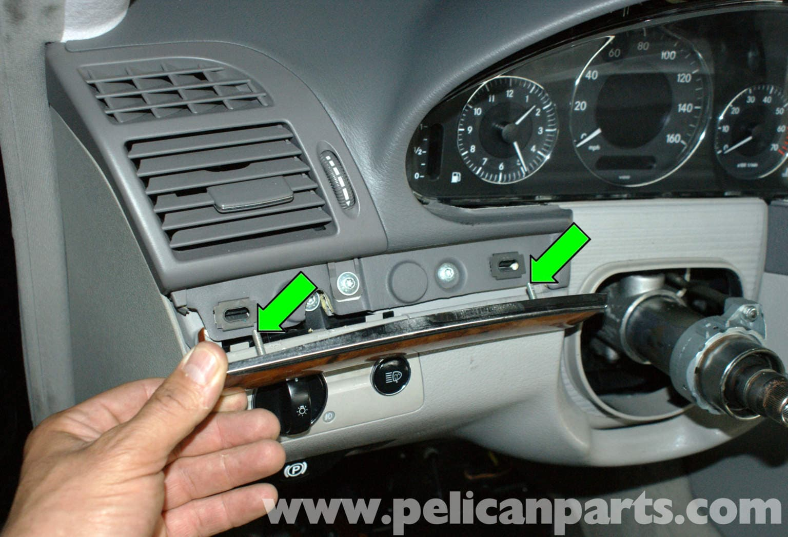 Mercedes benz w211 headlight switch replacement 2003 2009 for Mercedes benz headlight problems