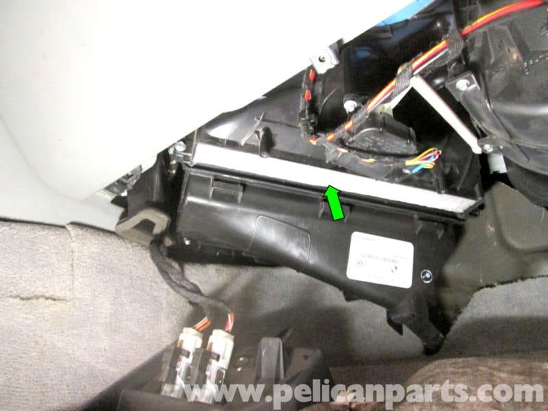 Porsche Cayenne Cabin Air Filter Replacement   2003-2008