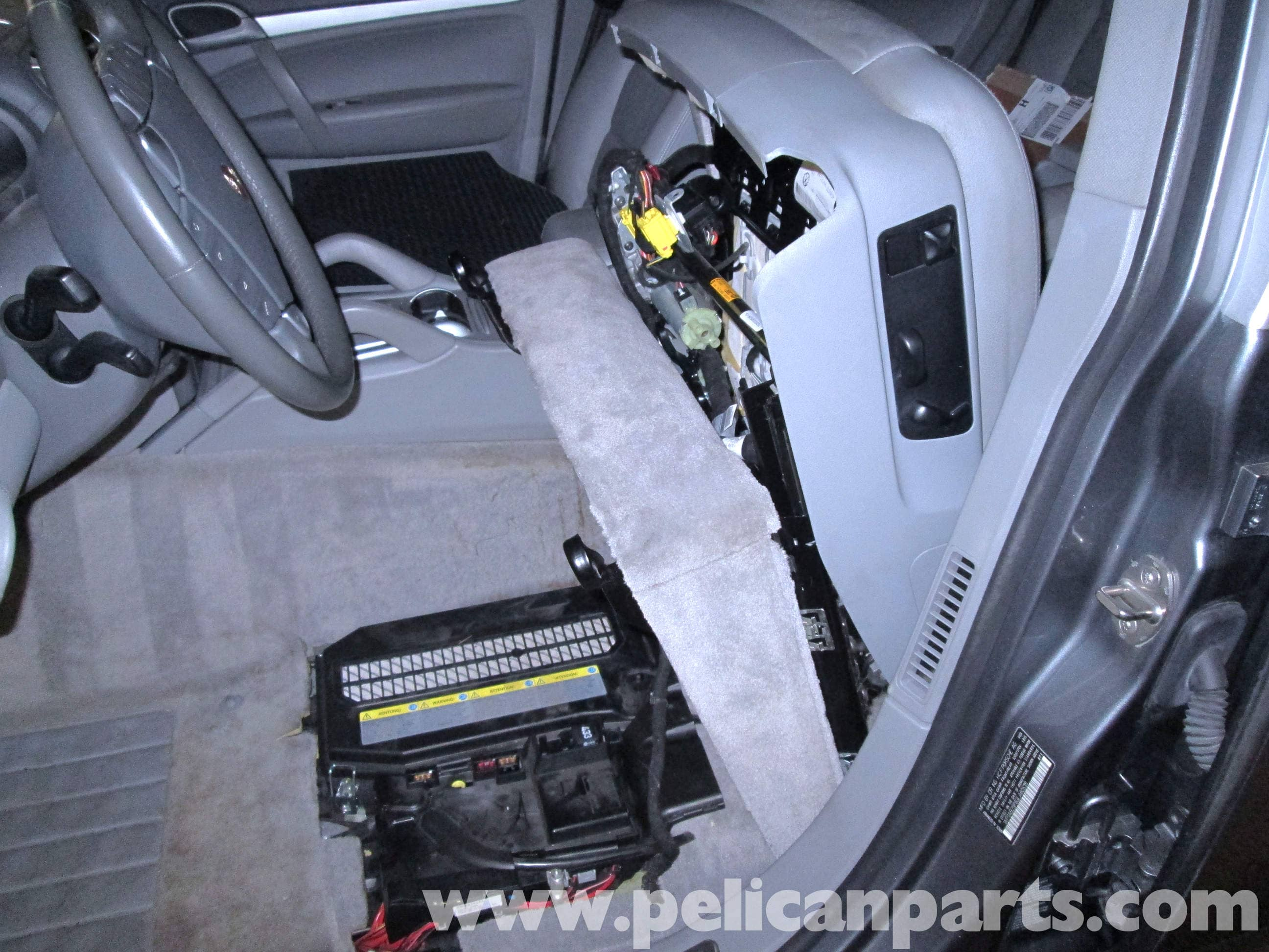 pic09 porsche cayenne battery replacement 2003 2008 pelican parts 2004 Porsche Cayenne Twin Turbo at mifinder.co
