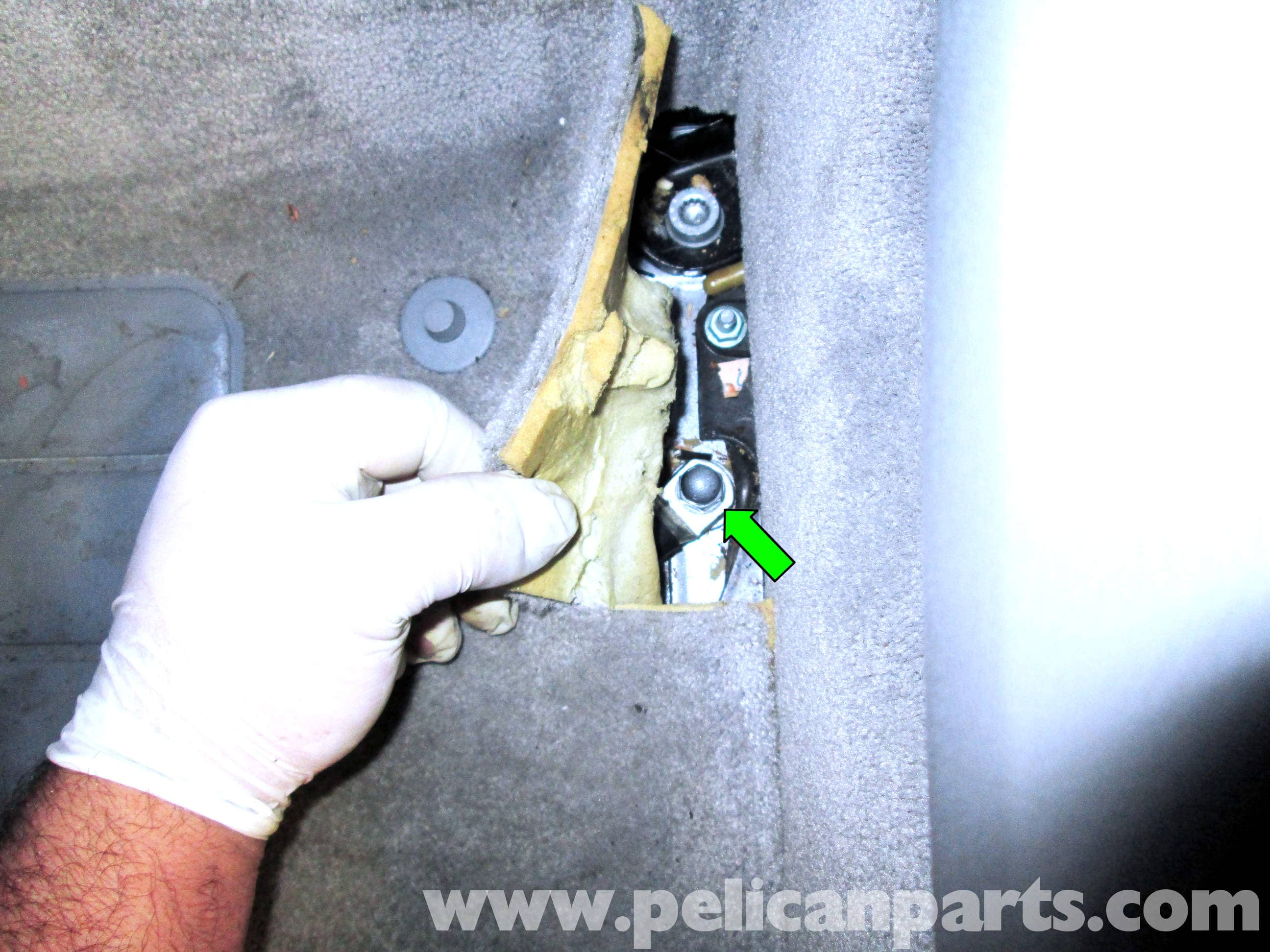 pic03 porsche cayenne ignition switch replacement 2003 2008 pelican Dakota Fuse Box at edmiracle.co