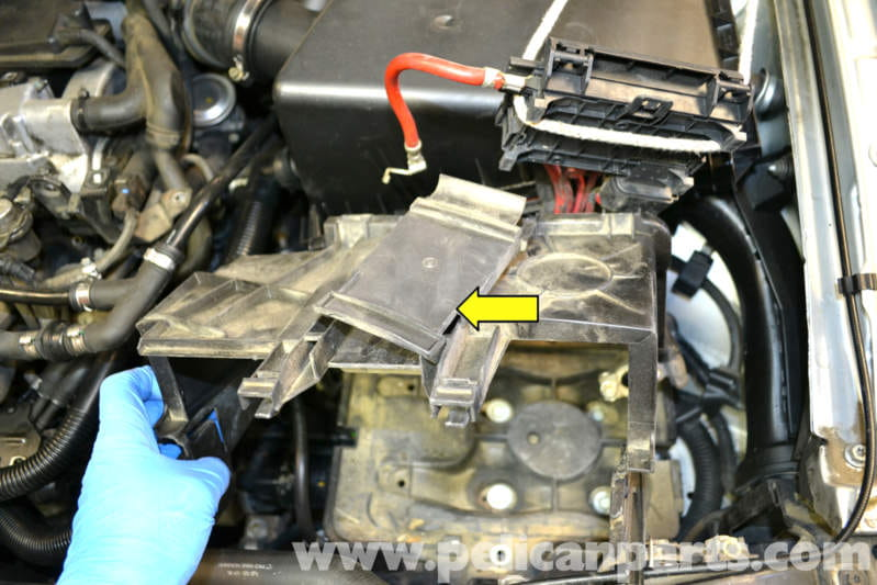 Remove The Tray And Unclip Panel That Holds Lines For Top Fuse Box: Vw Mk4 Battery Fuse Box Surround At Gundyle.co