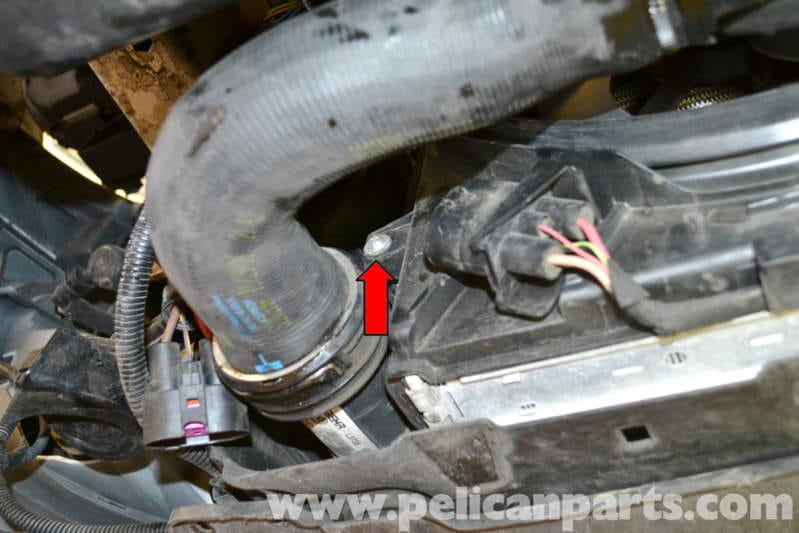 Volkswagen Golf GTI Mk V Shroud and Fan Removal (2006-2009