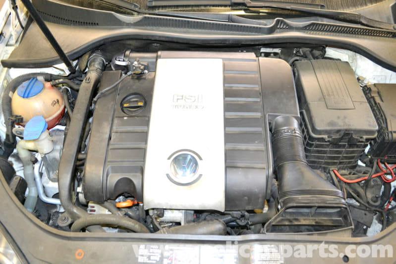 Volkswagen Golf GTI Mk V Low Fuel Pressure Sensor Replacement (2006
