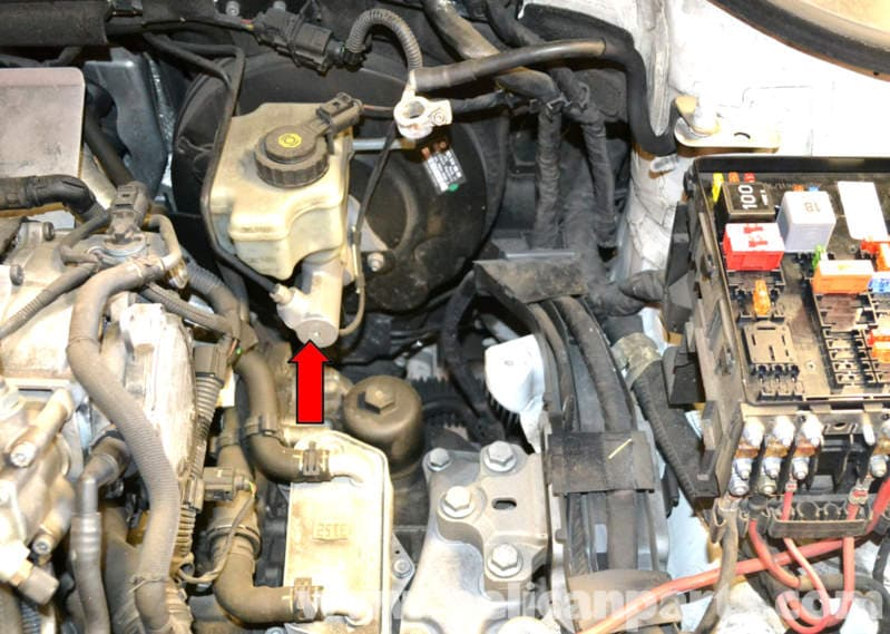How Do You Bleed Brakes >> Volkswagen Golf GTI Mk V Brake Master Cylinder and Reservoir Replacement (2006-2009) - Pelican ...