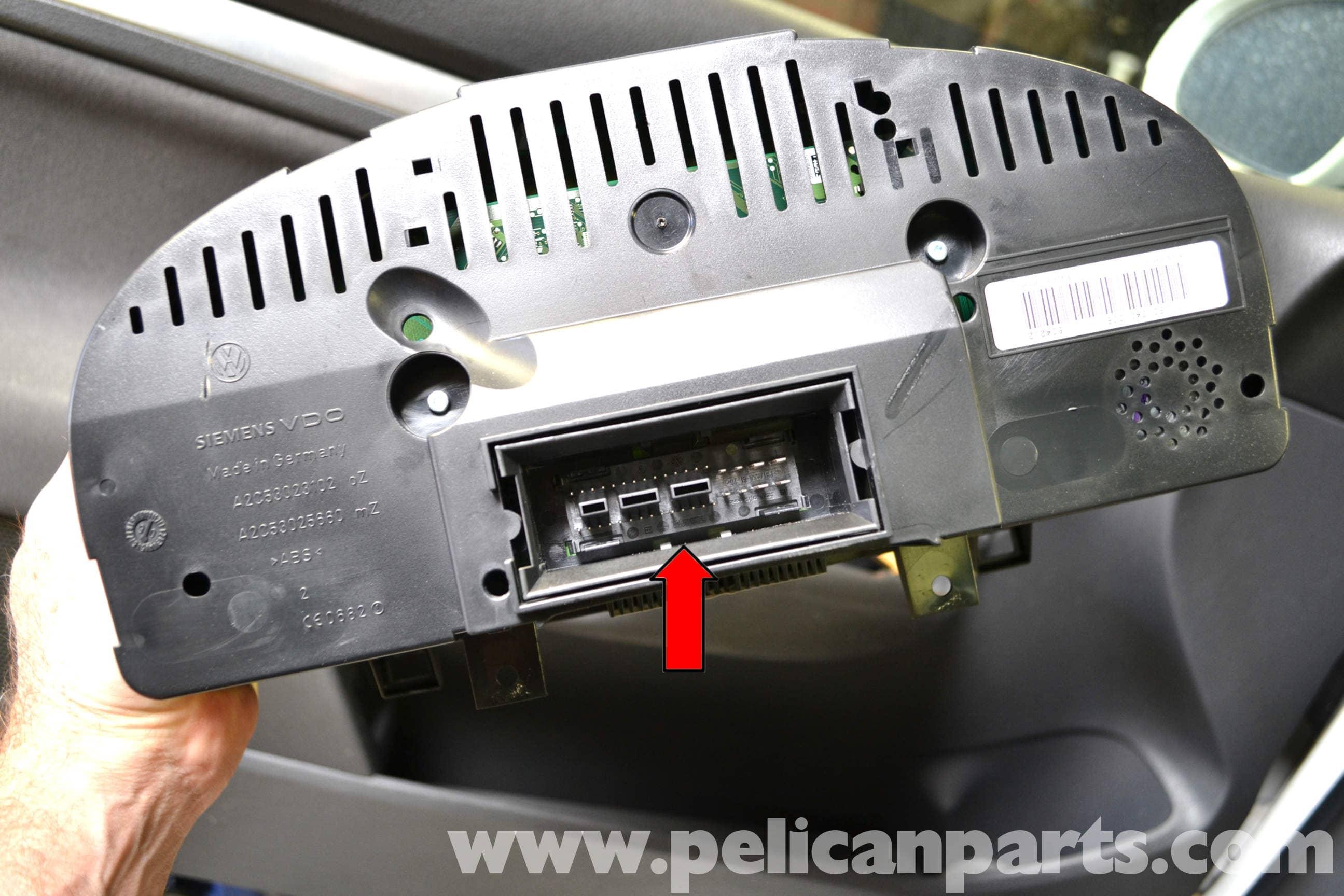 Volkswagen Golf GTI Mk V Instrument Cluster Removal (2006