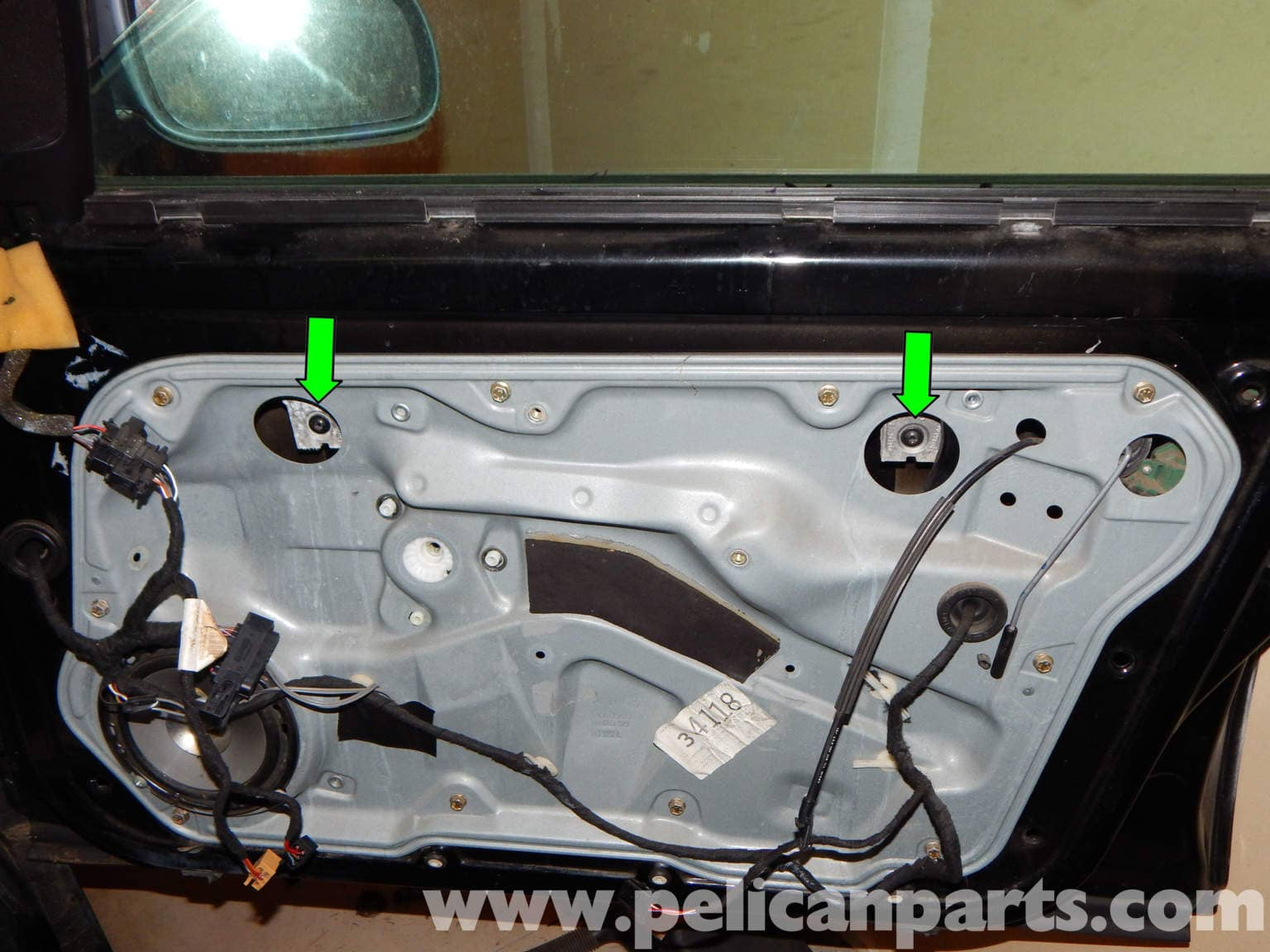 Volkswagen Jetta Mk4 Front Window Regulator Replacement