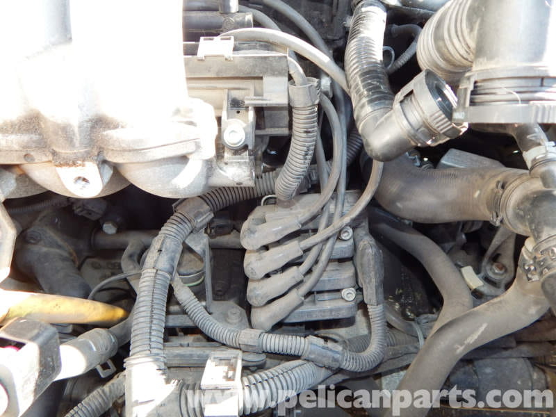 pic01 volkswagen jetta mk4 coil pack and spark plug wire replacement vw beetle spark plug wire diagram at fashall.co