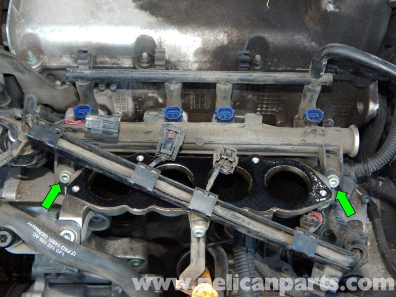 O Ring Lubricant >> Volkswagen Jetta Mk4 Fuel Injector Replacement | Jetta Mk4 2.0L (1998-2005) | Pelican Parts DIY ...