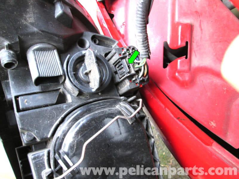Volvo C30 Light Bulb Replacement (2007-2013) - Pelican Parts DIY