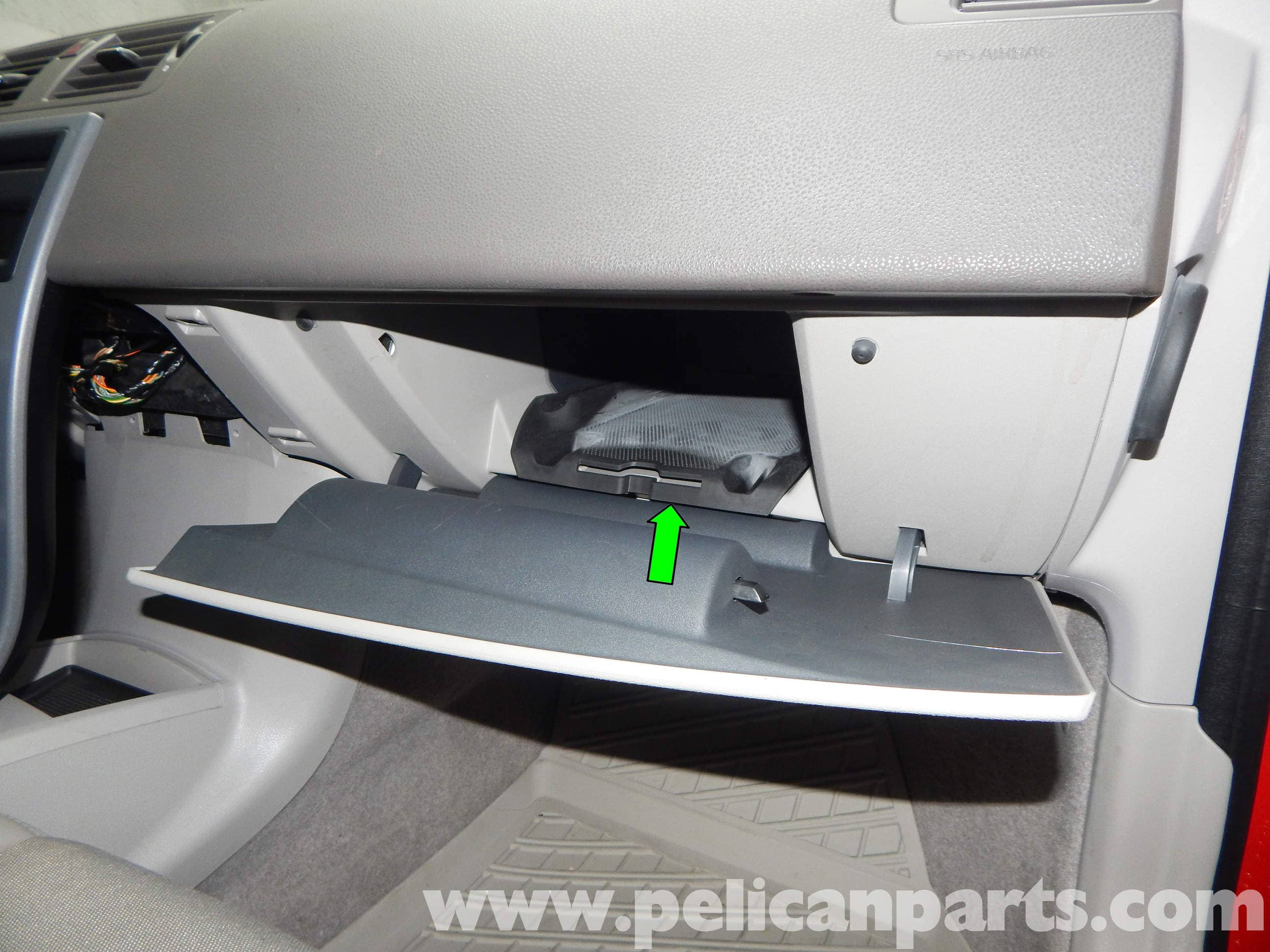 Volvo C30 Glove Box Removal T5 2008 2013 R Design Fuse For Large Image Extra