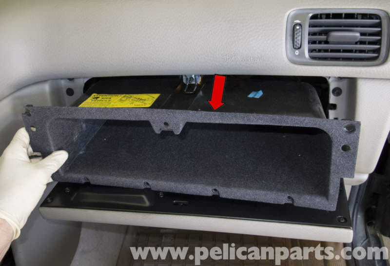 pic07 volvo v70 glove box removal and replacement (1998 2007) pelican  at reclaimingppi.co