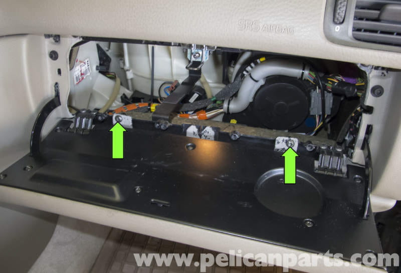 pic08 volvo v70 glove box removal and replacement (1998 2007) pelican  at reclaimingppi.co