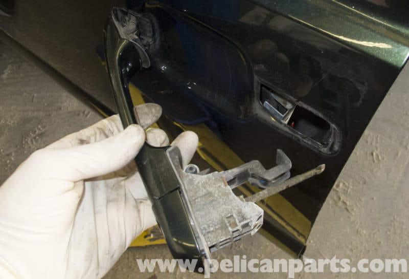 Volvo V70 Door Handle Replacement (1998-2007) - Pelican Parts DIY ...